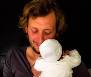 Ameaury Leveaux papa : première photo avec son petit garçon sur Facebook