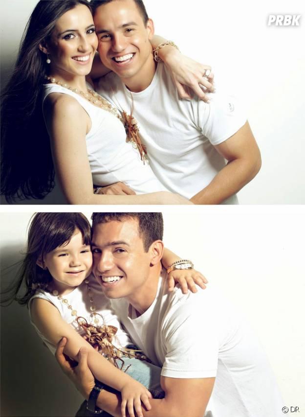 Rafael Del Col avec sa fille Raisa imitant les vieilles photos de lui et Tatiane Valques.