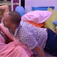 Secret Story 9 : Coralie embrasse Nicolas, Mélanie lèche Alia, la maison devient folle