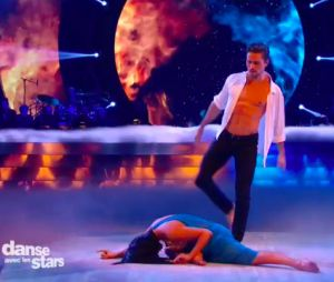 Olivier Dion torse nu et sexy pendant Danse avec les stars 6, le 31 octobre 2015 sur TF1