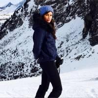 Malika Ménard : soleil, ski et bonhomme de neige pour un séjour aux Arcs