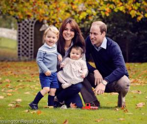Princesse Charlotte, Prince George, Kate Middleton et Prince William : leur belle photo de famille pour Noel 2015