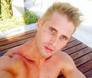 Benoît Dubois sexy et torse nu pendant ses vacances (en Thaïlande ?)