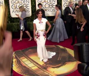 Eva Longoria sur le tapis rouge des Golden Globe 2016