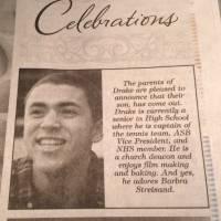 Des parents achètent un encart de pub dans le journal pour annoncer le coming out de leur fils