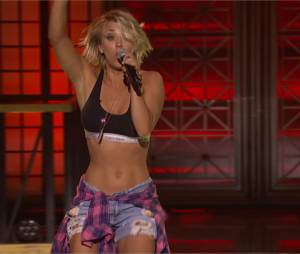 Kaley Cuoco : playback sexy à la télé