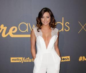 Priscilla Betti sexy et décolletée sur le tapis rouge des Melty Future Awards 2016