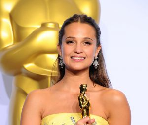 Oscars 2016 : Alicia Vikander gagne le prix de meilleur second rôle