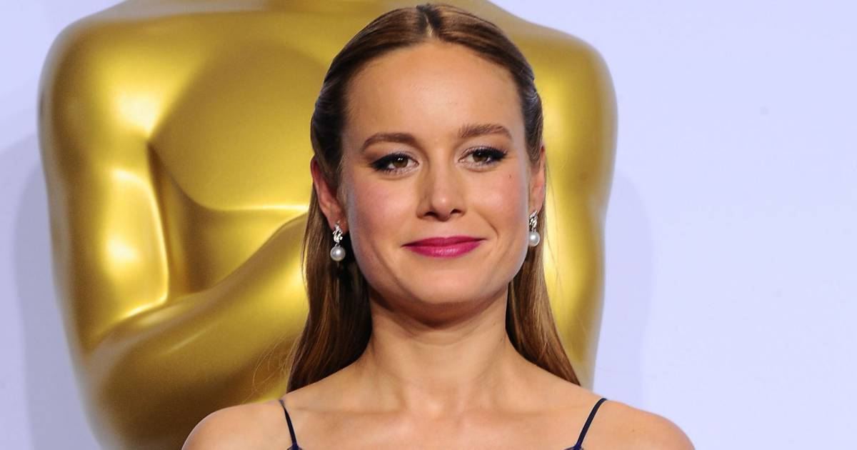 oscars 2016 brie larson gagnante du prix de la meilleure. Black Bedroom Furniture Sets. Home Design Ideas