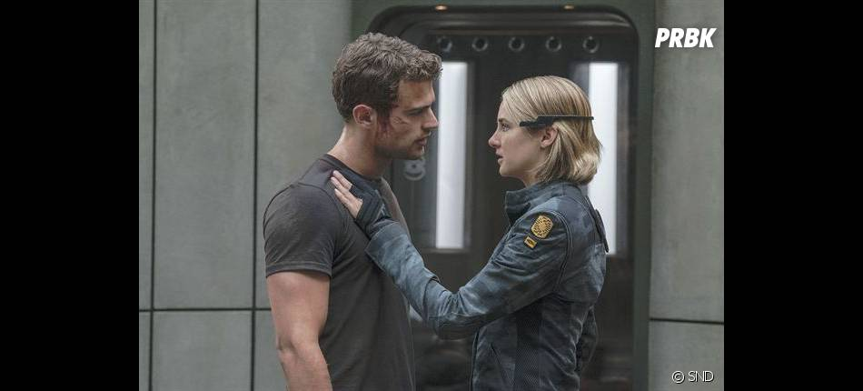 Divergente 3 : Quatre (Theo James) et Tris (Shailene Woodley) sur une photo