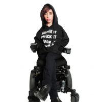 Beyoncé : une mannequin handicapée devient l'égérie de sa collection de produits dérivés