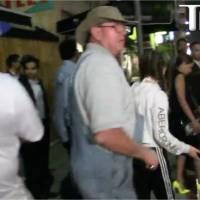 Kylie Jenner : furieux, un grand père d'une fan se bat avec les paparazzi