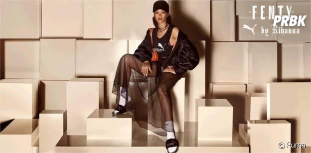 Rihanna égérie sexy en claquettes et chaussettes pour Puma