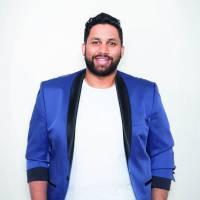 Kevin Razy : l'humoriste devient chroniqueur dans l'Hebdo Show d'Arthur