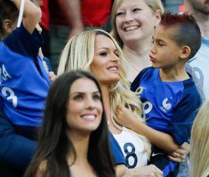 Dimitri Payet : sa femme Ludivine et leur fils Noa au match France-Albanie le 15 juin 2016