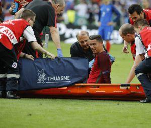 Cristiano Ronaldo après sa blessure dant la finale de l'Euro 2016