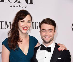 Daniel Radcliffe (Harry Potter) et Erin Darke : premier tapis rouge pour le couple en 2014 aux Tony Awards