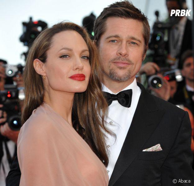 Angelina Jolie divorc&...