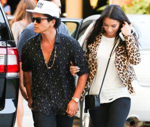 NRJ Music Awards 2016 : Bruno Mars serait en couple avec le mannequin Jessica Caban.