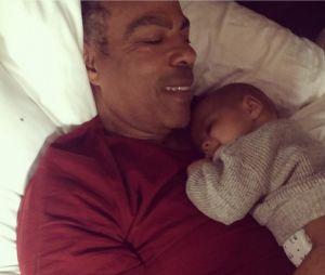 Ellen Pompeo : son mari Chris Ivery pose avec leur fils Eli Christopher
