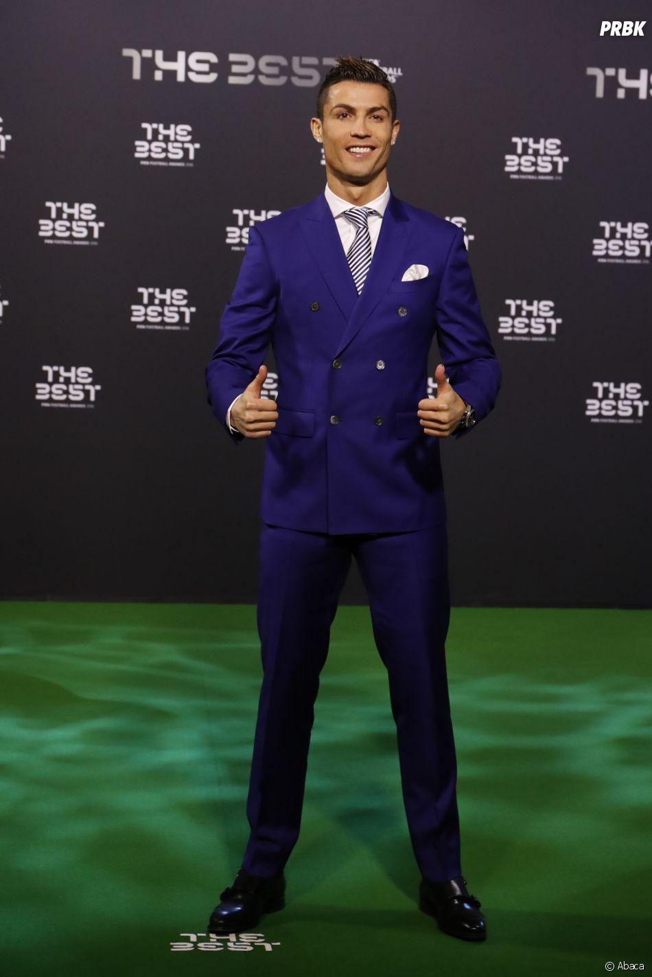 Cristiano Ronaldo et Georgina Rodriguez officialisent enfin en s'affichant en amoureux au gala FIFA.