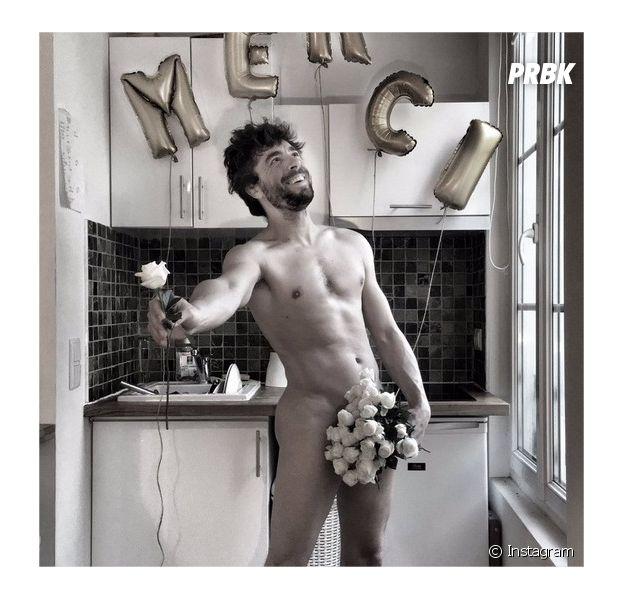 Agustin Galiana (Clem) pose nu (ou presque) sur Instagram pour fêter ses 100 000 abonnés sur Instagram