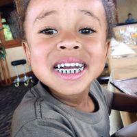 Kylie Jenner : son chéri Tyga offre des dents en diamants à son fils, bad buzz garanti !