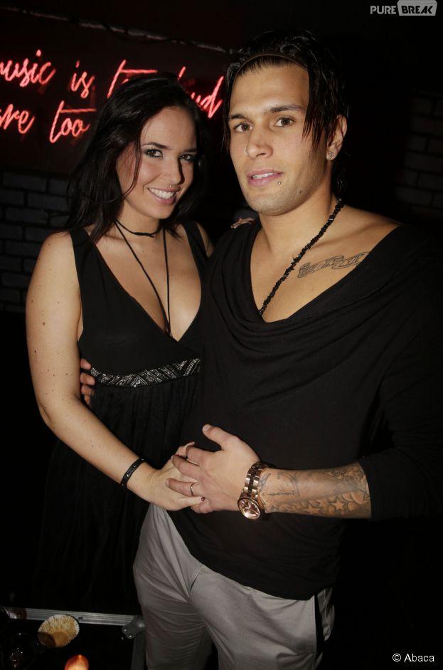 Kelly Helard et Neymar, couple sexy pour la soirée des 25 ans de Hot Video au Titi Twister à Paris, le 27 novembre 2014