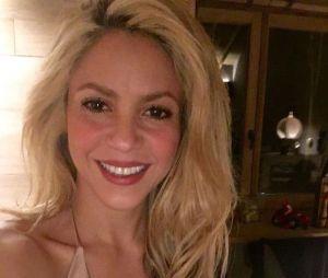 Shakira, connue pour sa longue chevelure blonde ondulée, a changé de look pour son clip avec Black M !