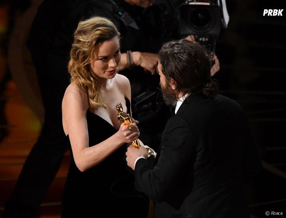 Oscars 2017 : Casey Affleck et Brie Larson lors de la cérémonie