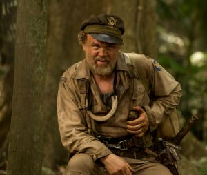 Kong Skull Island : John C. Reilly sur une photo