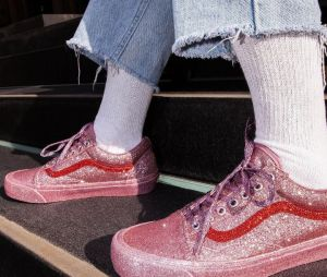 Vans x The OC : la collaboration brillante avec des sneakers glitters à tomber !