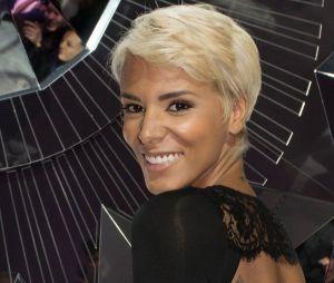 Fini le blond, Shy'm s'inspire de Fifty Shades of Grey et dévoile sa nouvelle couleur de cheveux grise !