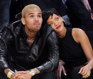 Rihanna et Chris Brown en couple ? Les deux ex s'enverraient des sextos depuis quelques temps.