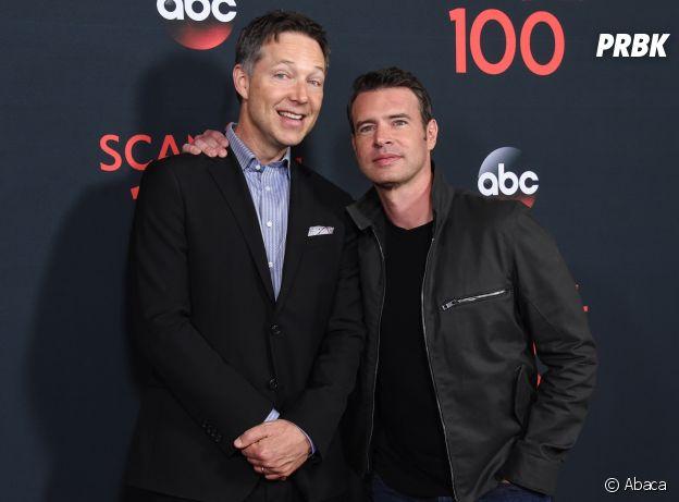 Scott Foley et Charlie Newbern à la soirée des 100 épisodes de Scandal le 8 avril 2017