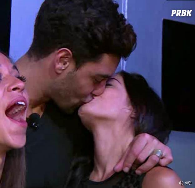 Manon (Les Marseillais South America) et Valentin s'embrassent et dorment ensemble
