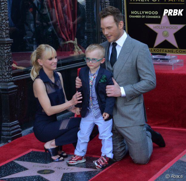 Chris Pratt et Anna Faris prennent la pose avec leur fils