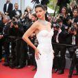 Adriana Lima sexy à Cannes