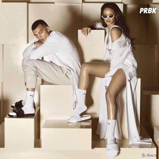 Rihanna portant des claquettes et des chaussettes pour la campagne publicitaire de Puma.