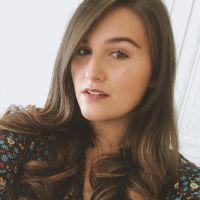 Léa (Jenesuispasjolie) enceinte : la Youtubeuse annonce sa grossesse dans une vidéo so cute