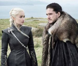 Emilia Clarke (Game of Thrones saison 8) devient blonde, comme Daenerys Targaryen !