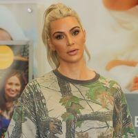 """Kim Kardashian traumatisée par le bad buzz de ses fesses : """"Je panique"""""""
