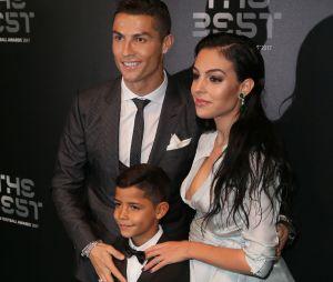 Cristiano Ronaldo et Georgina Rodriguez annoncent le prénom de leur fille qui naîtra bientôt !