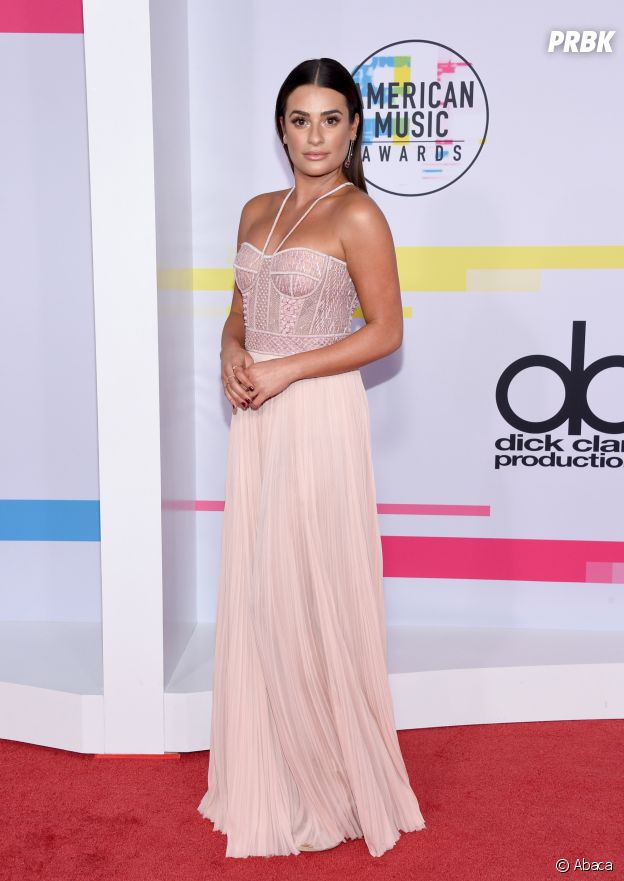 Lea Michele aux American Music Awards 2017 le 19 novembre à Los Angeles
