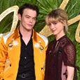 Charlie Heaton et Natalia Dyer en couple : premier red carpet à deux à Londres