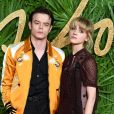 Charlie Heaton et Natalia Dyer en couple : ils officialisent sur le red carpet des Fashion Awards à Londres