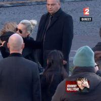 Obsèques de Johnny Hallyday : sa femme Laeticia et ses enfants en larmes, leurs adieux déchirants