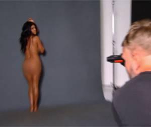 Kourtney Kardashian nue dans L'incroyable famille Kardashian