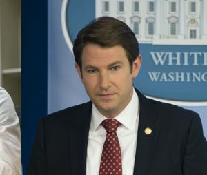House of Cards saison 6 : Michael Kelly (Doug Stamper) et Derek Cecil (Seth Gryason) de retour