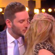 Loana et un chroniqueur de TPMP s'embrassent en direct 💏